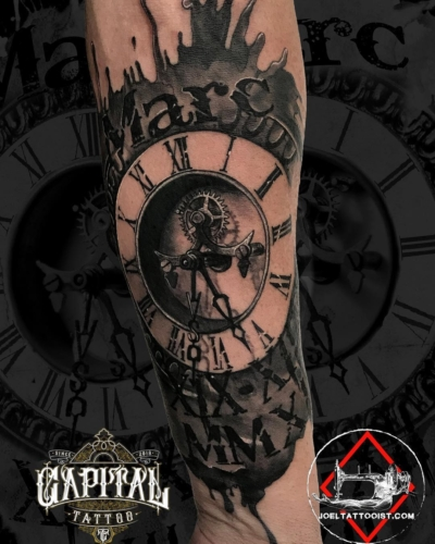 capital tattoo valencia reloj